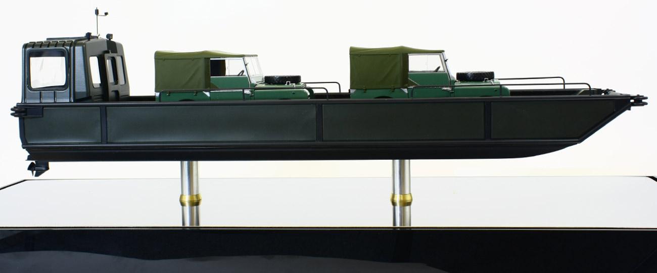 Marine Model Dyson-Seatruck-3