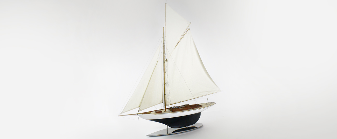 TERN 1/12th Scale Yacht Model